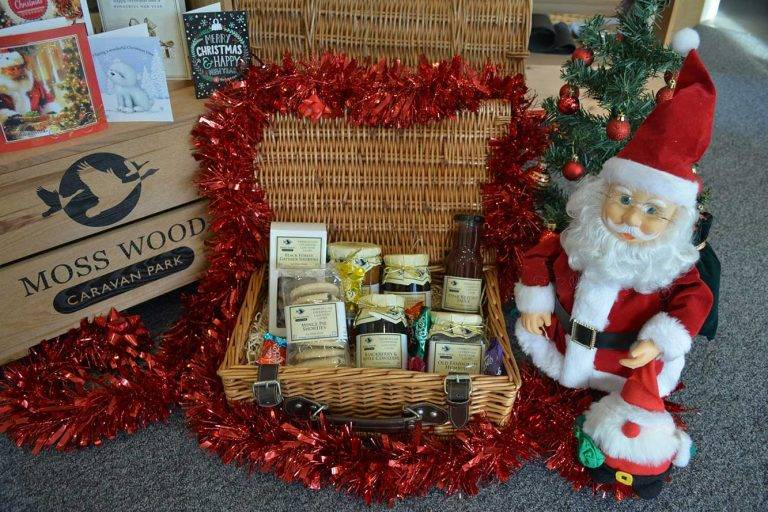 Moss Wood Caravan Park Christmas Hamper Competition
