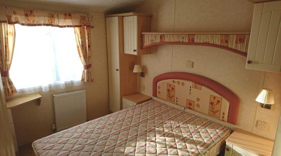 Willerby Salisbury 2007 master bedroom
