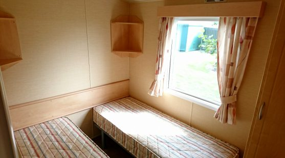 Willerby Rio 2010 twin bedroom